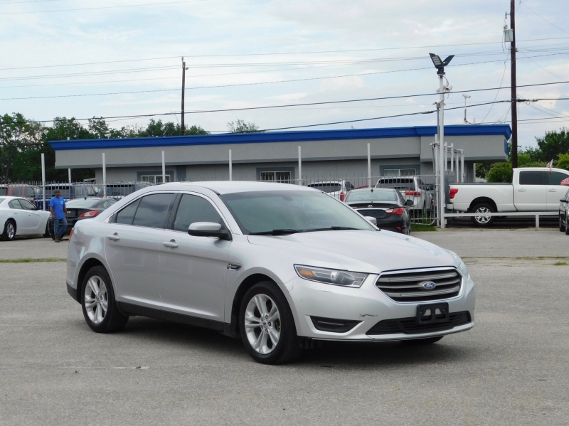 Ford Taurus 2016 price $9,995