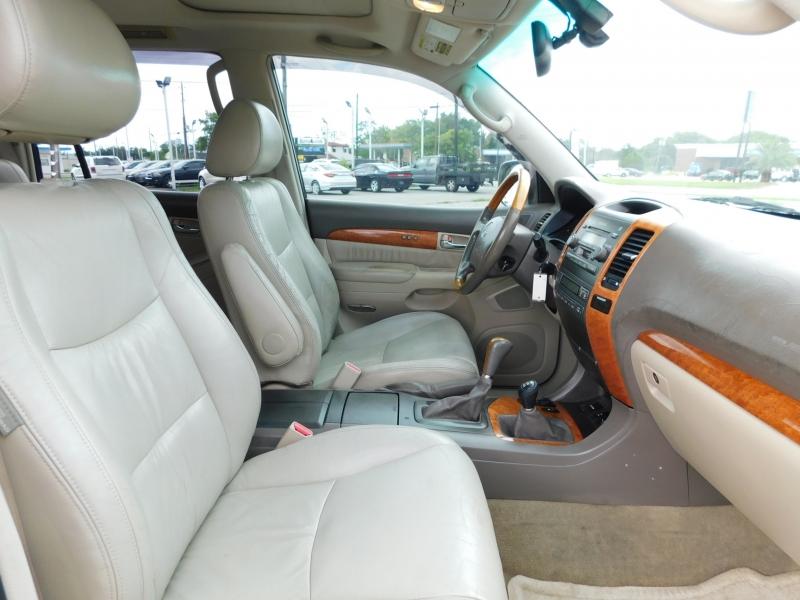 Lexus GX 470 2005 price $8,995