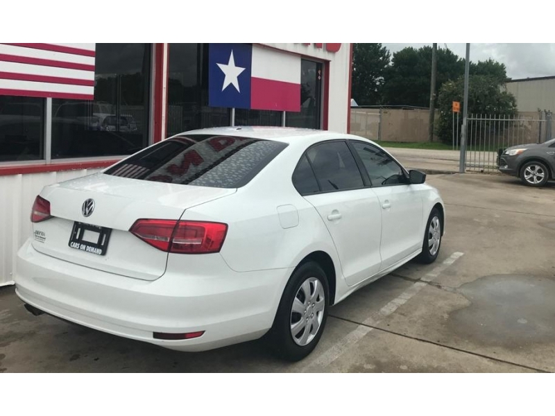 Volkswagen Jetta Sedan 2015 price $8,995