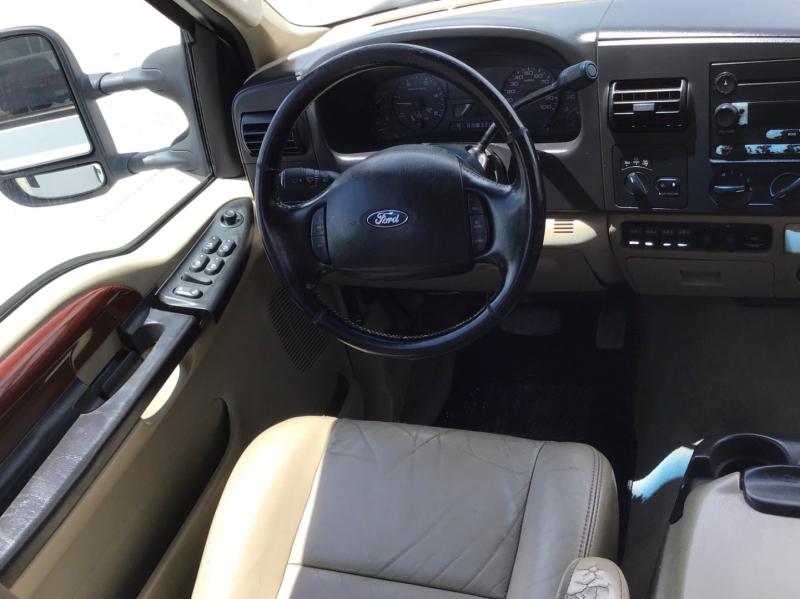 Ford Super Duty F-350 SRW 2005 price $11,995