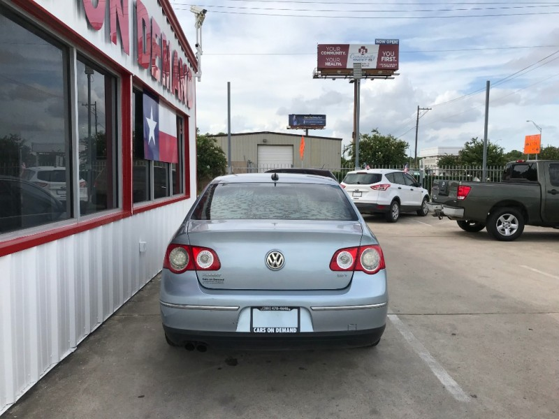 Volkswagen Passat Sedan 2006 price $3,995