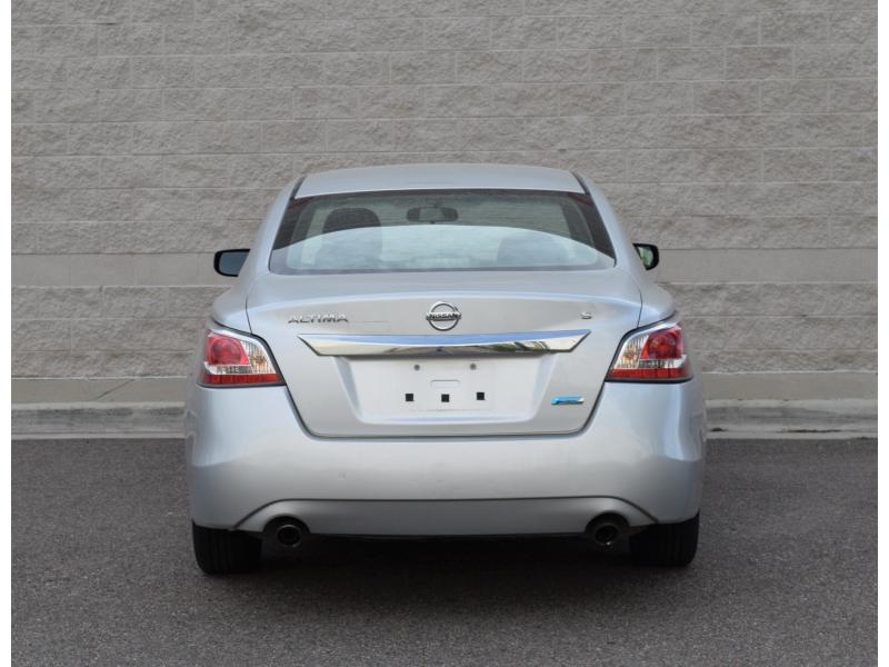 Nissan Altima 2014 price $6,987