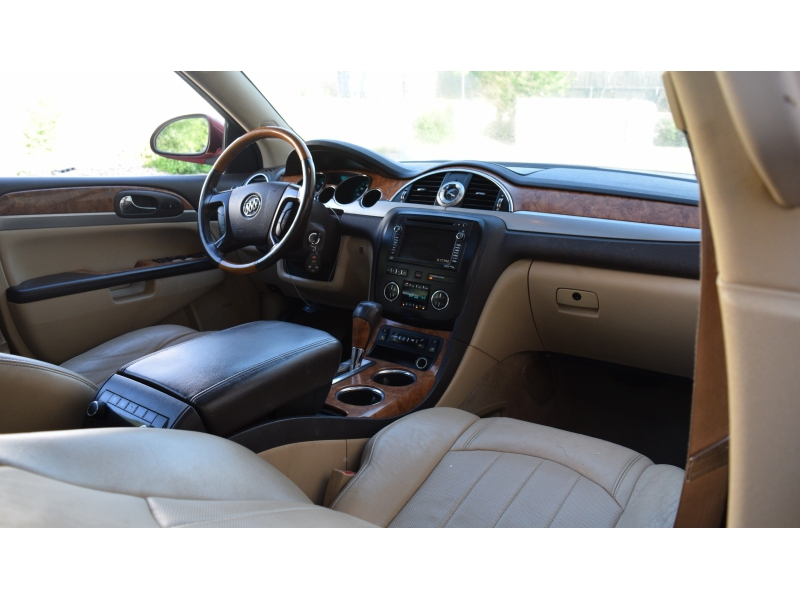 Buick Enclave 2011 price $9,700