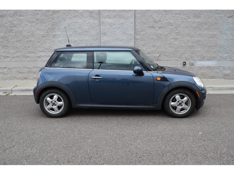 Mini Cooper Hardtop 2010 price $5,499