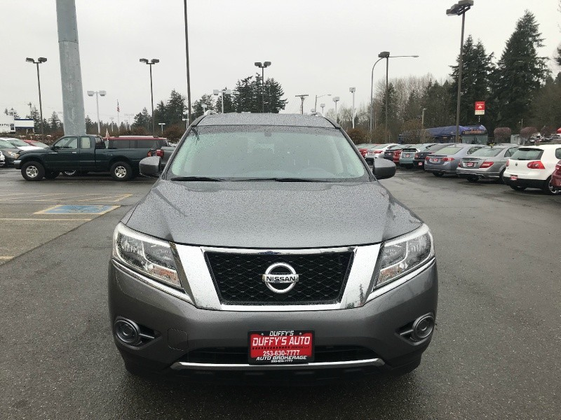 Nissan Pathfinder 2015 price $14,999