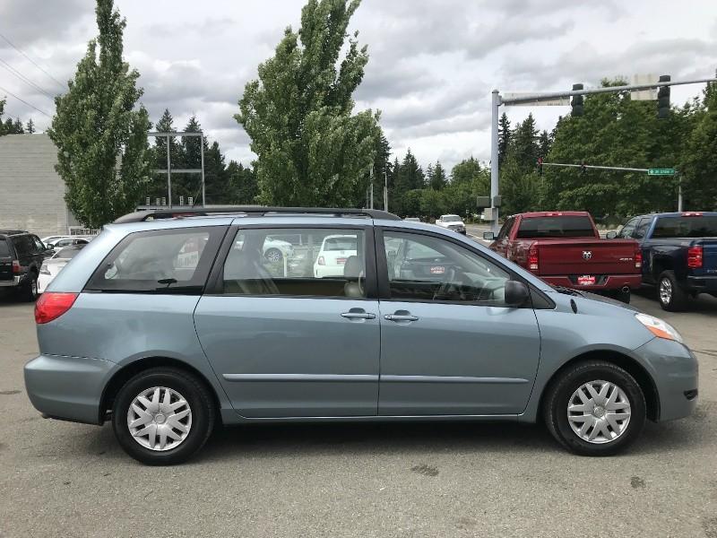 Toyota Sienna 2007 price $11,599