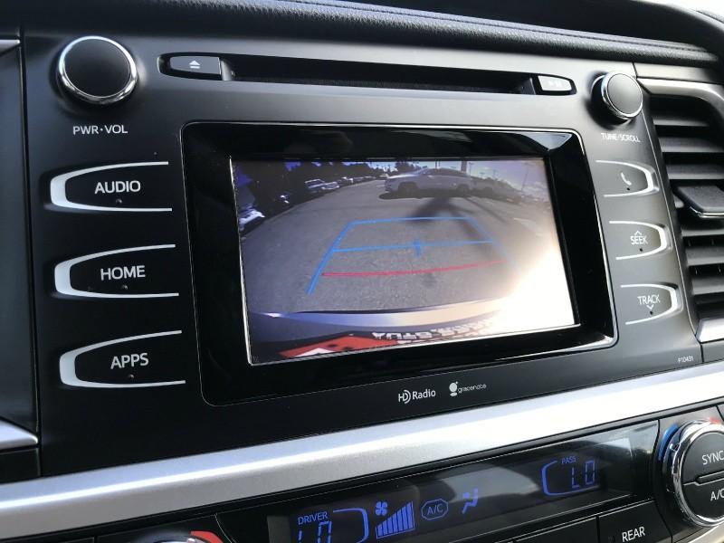 Toyota Highlander 2015 price $25,999