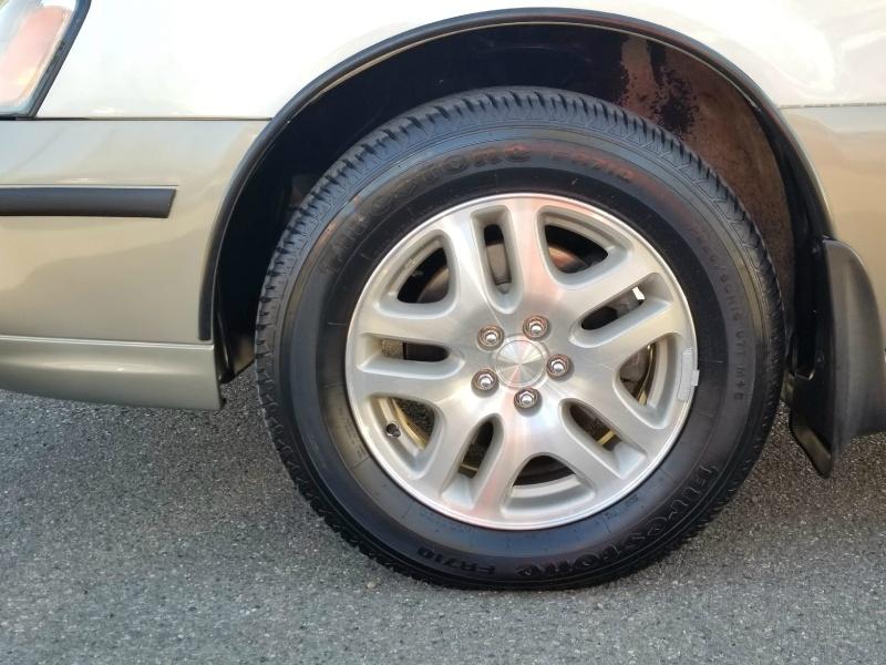 Subaru Outback 2001 price $7,593