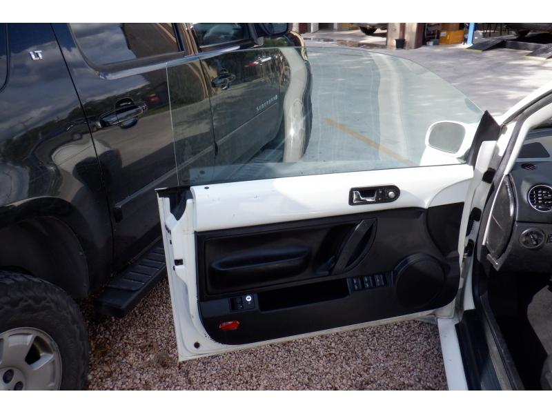 Volkswagen New Beetle Convertible 2007 price $4,700