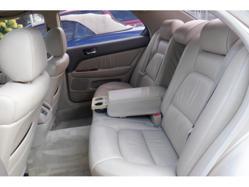 Lexus LS 400 Luxury Sdn 1998 price $2,600
