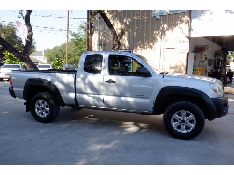 Toyota Tacoma 2006 price $7,700