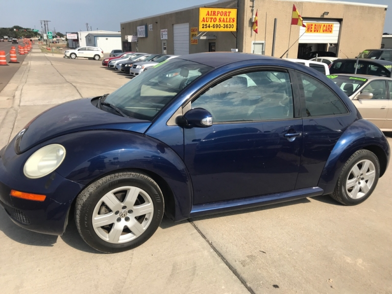 Volkswagen New Beetle Coupe 2007 price $3,950