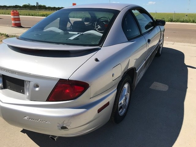 Pontiac Sunfire 2003 price $2,350