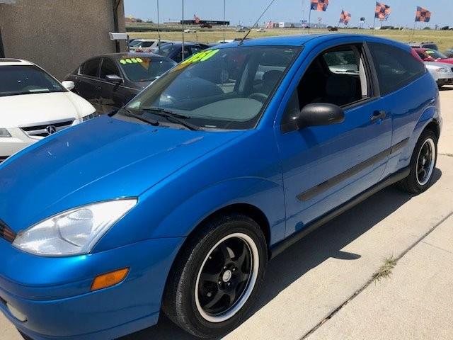 Ford Focus 2001 price $2,150