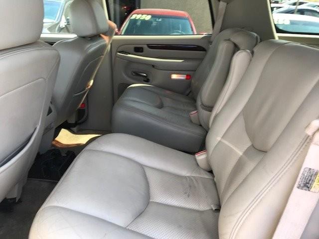 Cadillac Escalade 2003 price $4,550