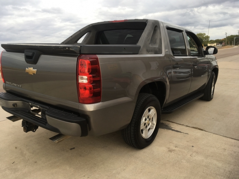 Chevrolet Avalanche 2007 price $7,950