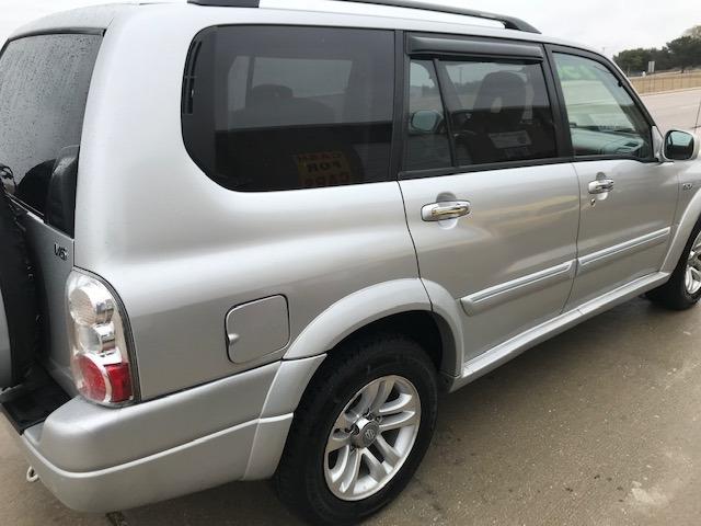 Suzuki XL 7 2004 price $3,750
