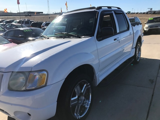 Ford Explorer Sport Trac 2004 price $4,550