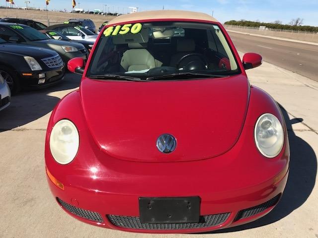 Volkswagen New Beetle Convertible 2008 price $4,150