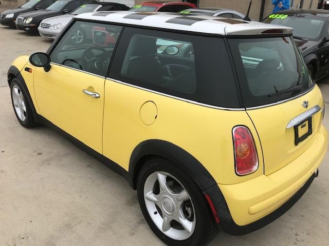 Mini Cooper Hardtop 2003 price $3,550