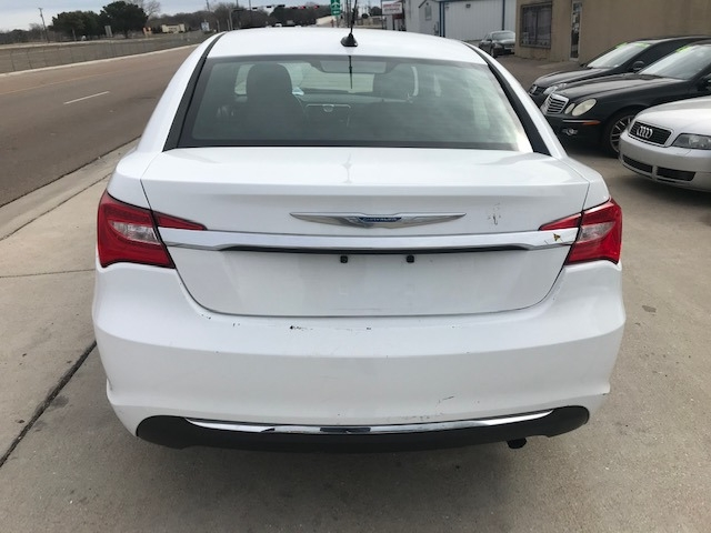 Chrysler 200 2012 price $3,950