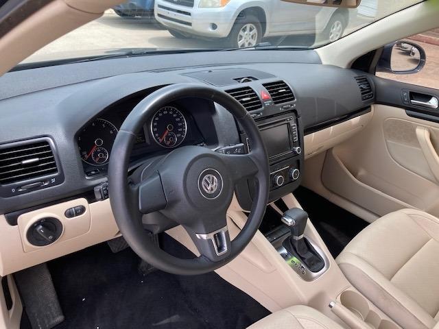 Volkswagen Jetta Sedan 2010 price $5,650