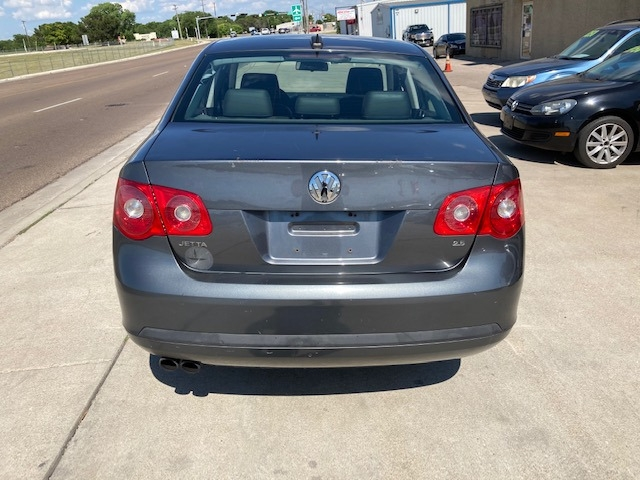Volkswagen Jetta Sedan 2006 price $3,950