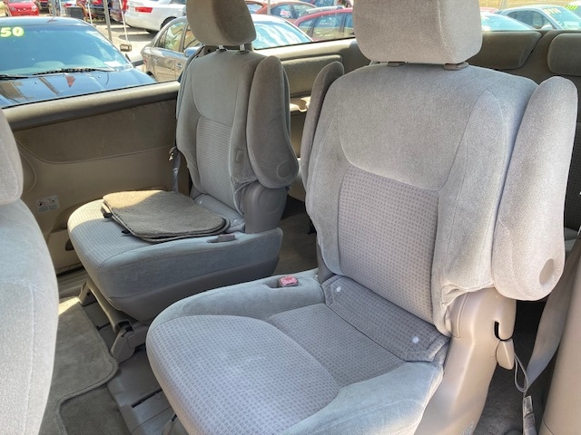 Toyota Sienna 2008 price $3,550