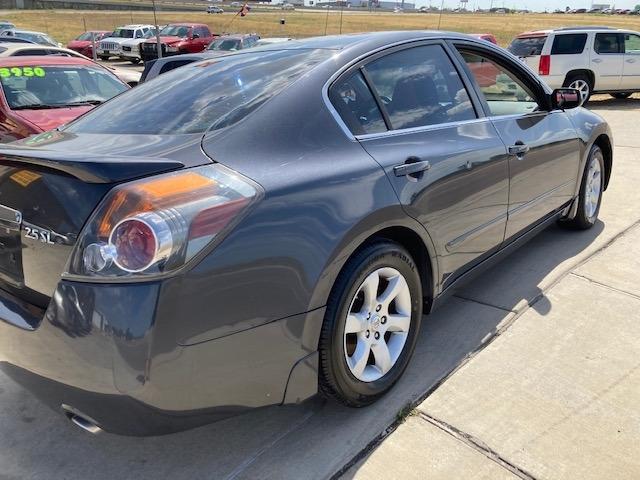 Nissan Altima 2009 price $4,450
