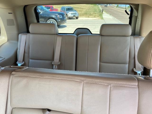 Cadillac Escalade Hybrid 2009 price $12,500