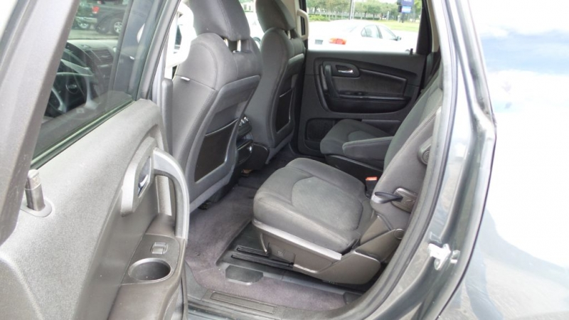 CHEVROLET TRAVERSE 2010 price $4,500