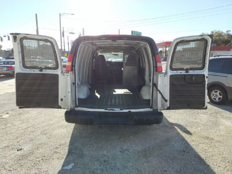 CHEVROLET EXPRESS G1500 2009 price $4,600