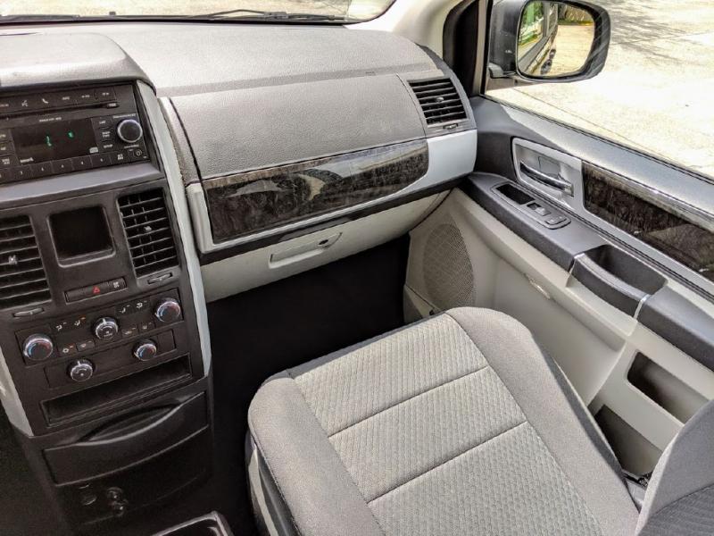Dodge Grand Caravan 2010 price $3,991