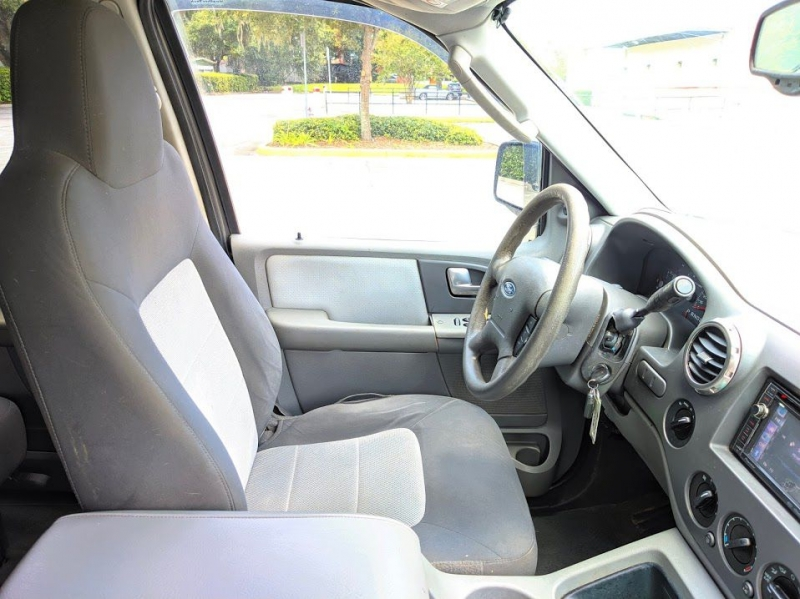 FORD EXPEDITION 2004 price $2,501