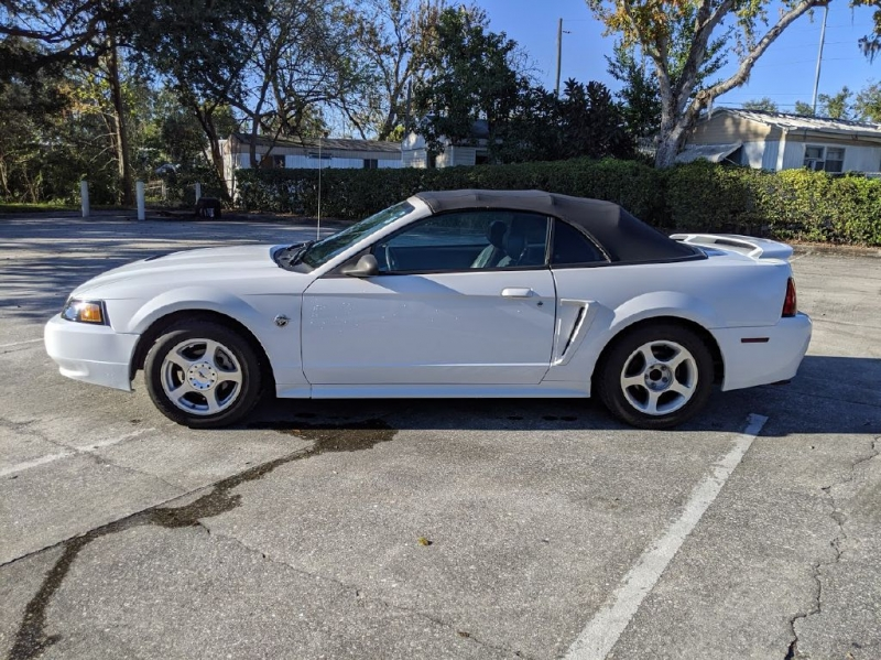 FORD MUSTANG 2004 price $2,999