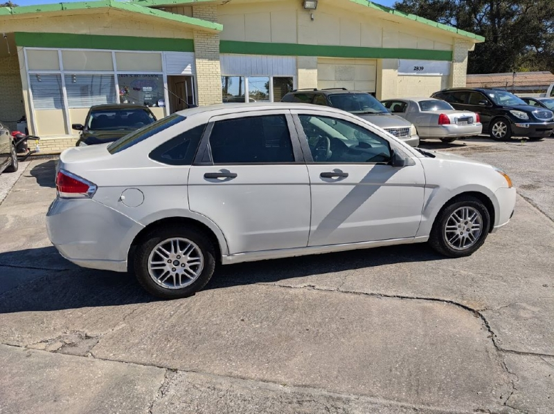 FORD FOCUS 2011 price $2,999