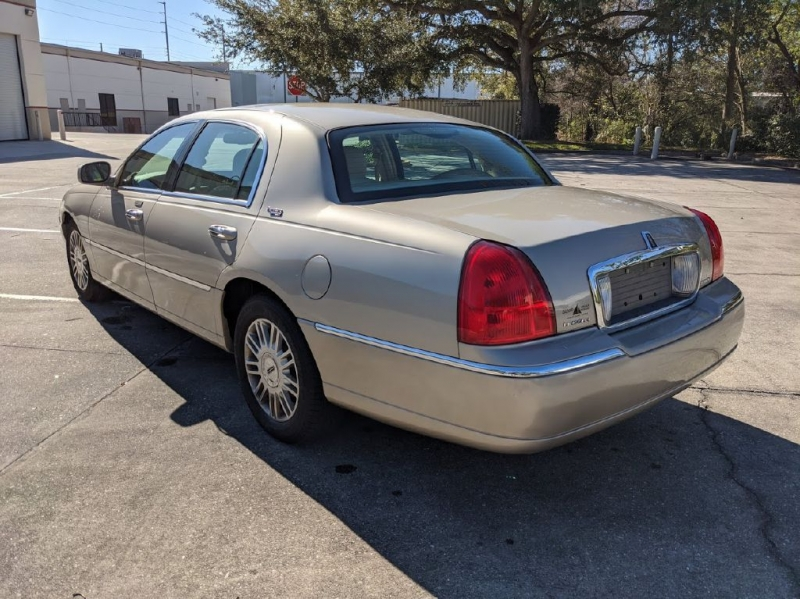 LINCOLN TOWN CAR 2008 price $3,499