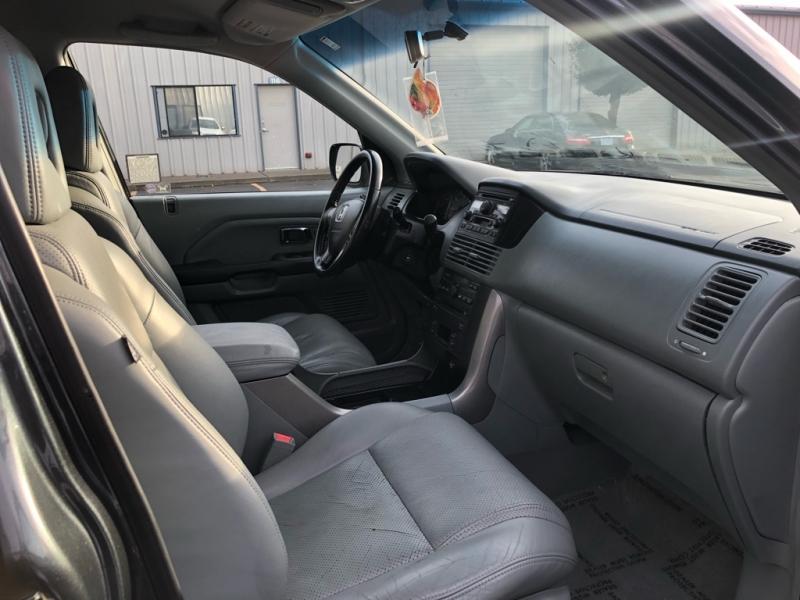 Honda Pilot 2004 price $7,395