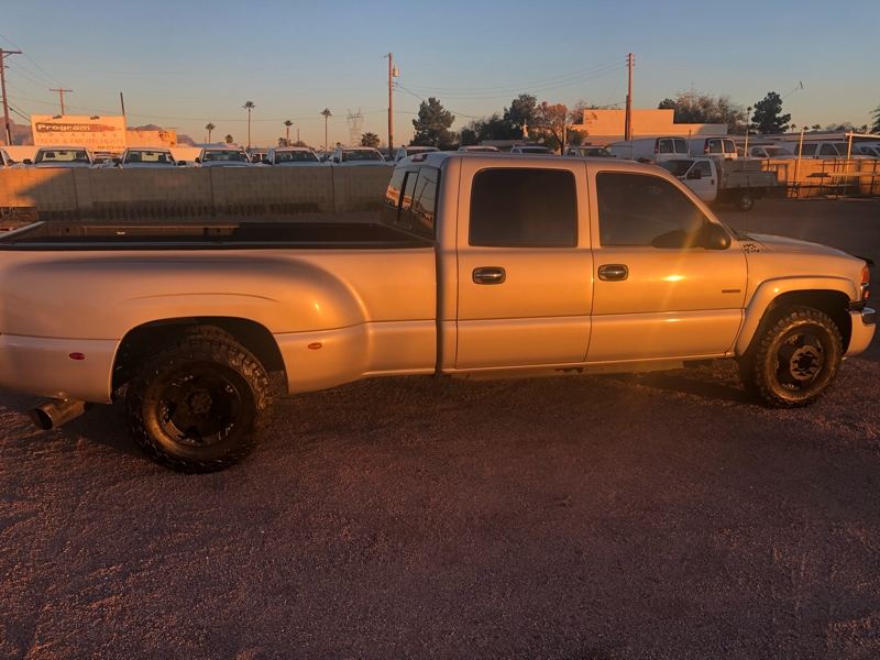GMC Sierra 3500 2005 price $15,995