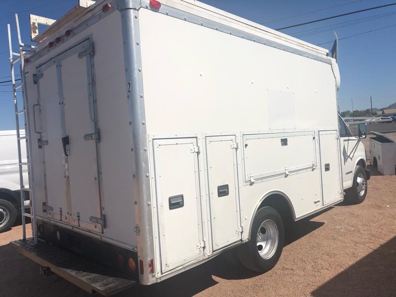 GMC kuv box utility truck 2002 price $11,900
