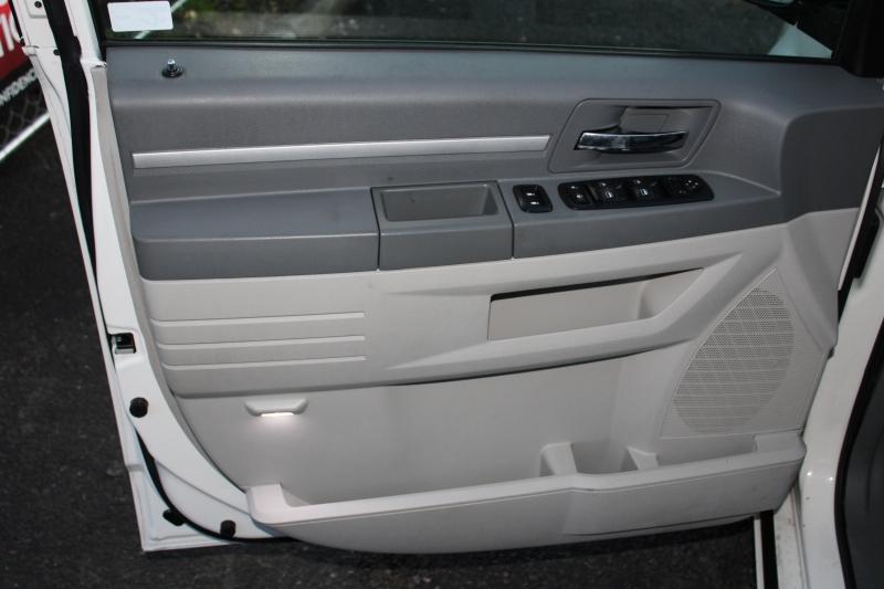 Dodge Grand Caravan 2008 price $6,991