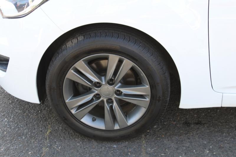 Hyundai Veloster 2016 price $12,991