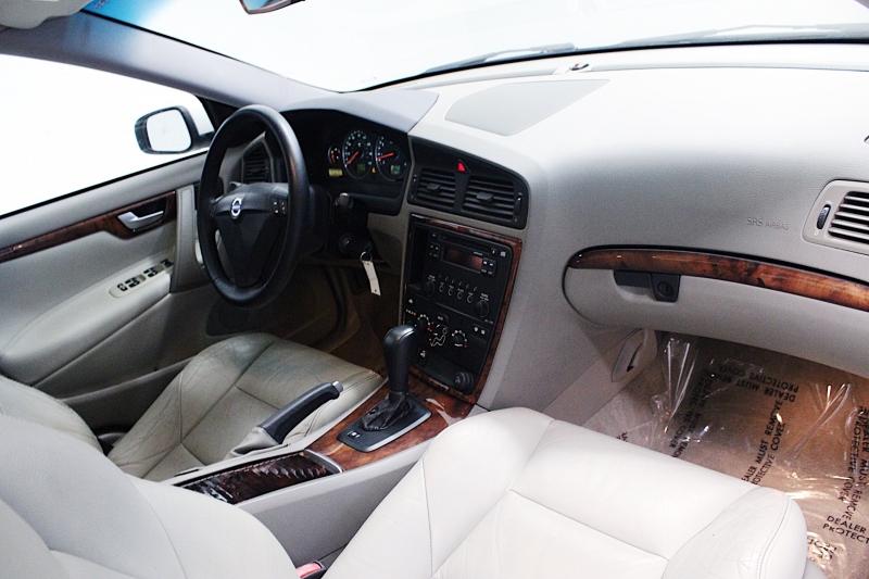 Volvo S60 2006 price $2,999