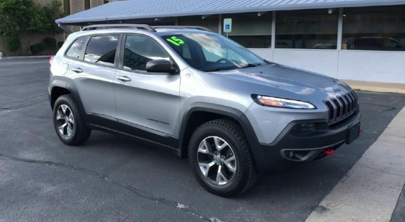 Jeep Cherokee 2015 price $18,900