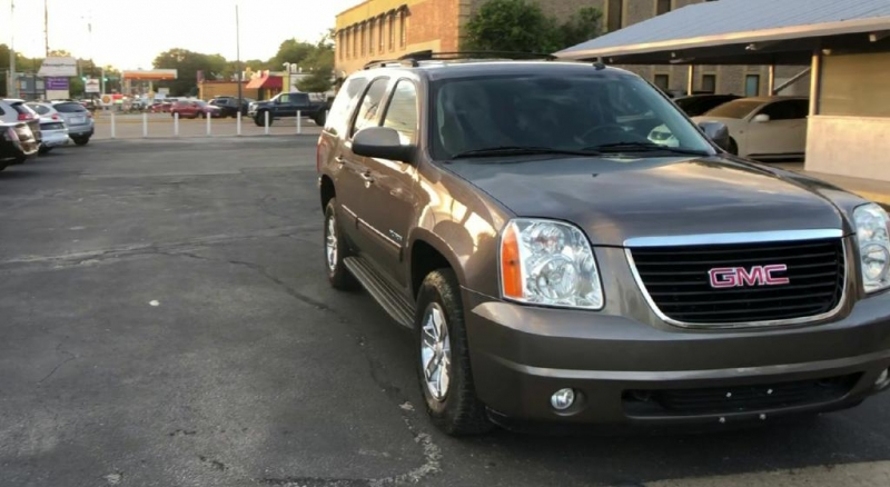 GMC Yukon 2013 price $19,600
