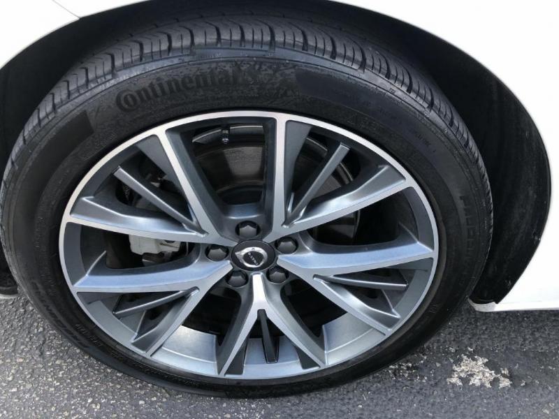 Volvo S90 2017 price $26,900