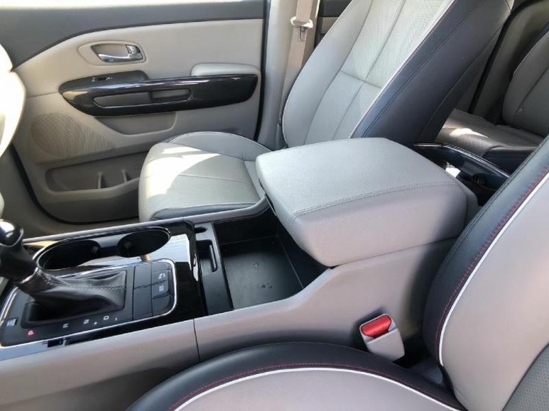 Kia Sedona 2016 price $14,500