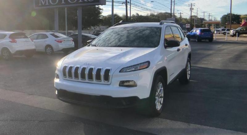 Jeep Cherokee 2015 price $12,900