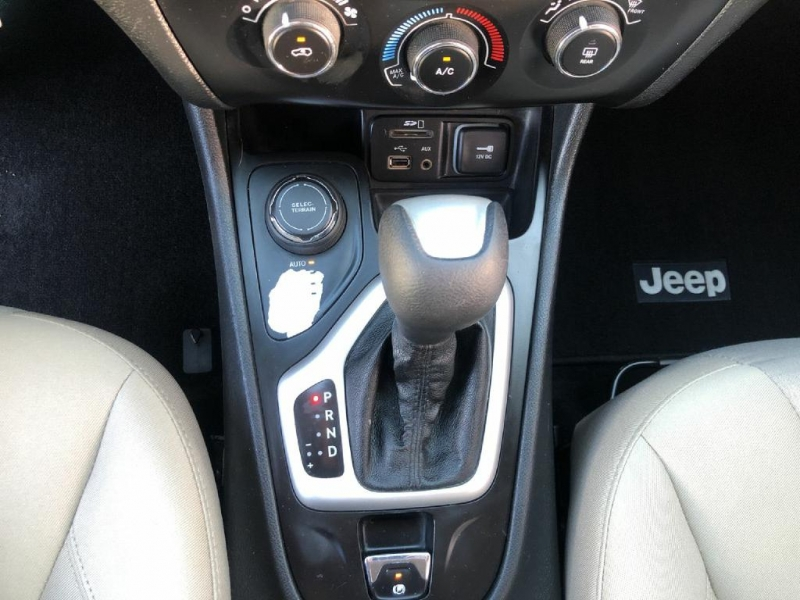Jeep Cherokee 2015 price $12,300