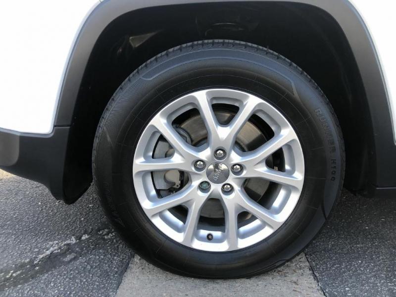 Jeep Cherokee 2015 price $12,300